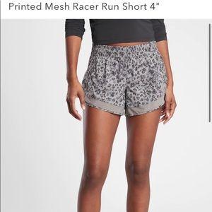"Athleta Printed Mesh Run Shorts 4"""